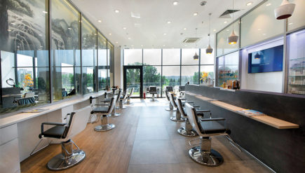 GETT'S_Color_Bar_Salon_Park_Lake_Dristor_Titan