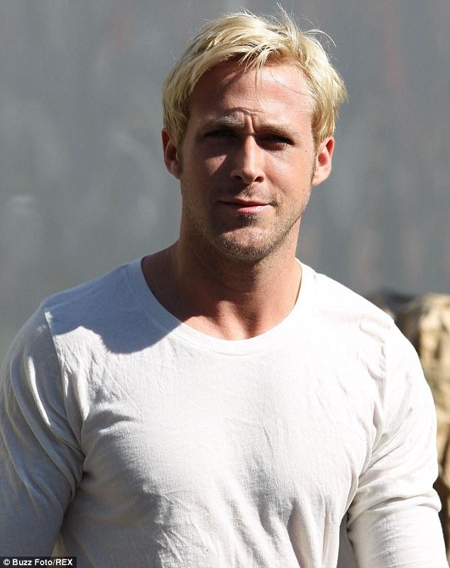 Vrei sa devii blond? Inspira-te din transformarile barbatilor celebri