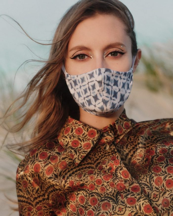 Cum sa asortezi machiajul cu masca de protectie